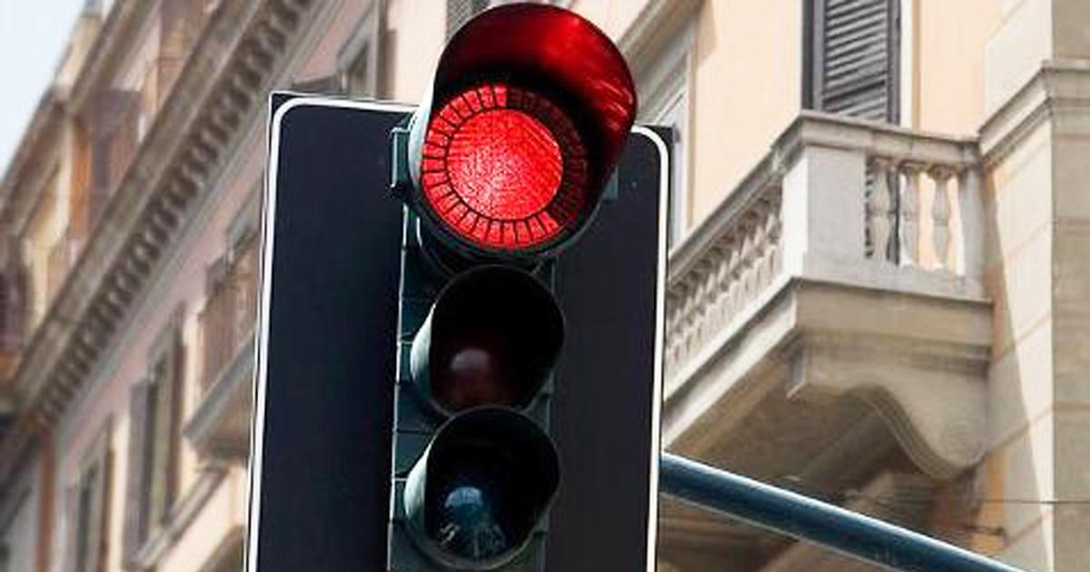 delineaotore semaforo